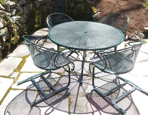 /Portals/0/UltraMediaGallery/485/13/thumbs/1.Woodard Wrought iron chairs refinsihed.jpg